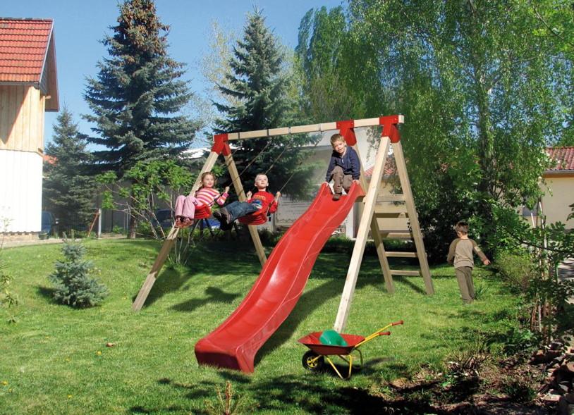 Schaukel und Rutschen im Garten - Kinder lieben schaukeln ...