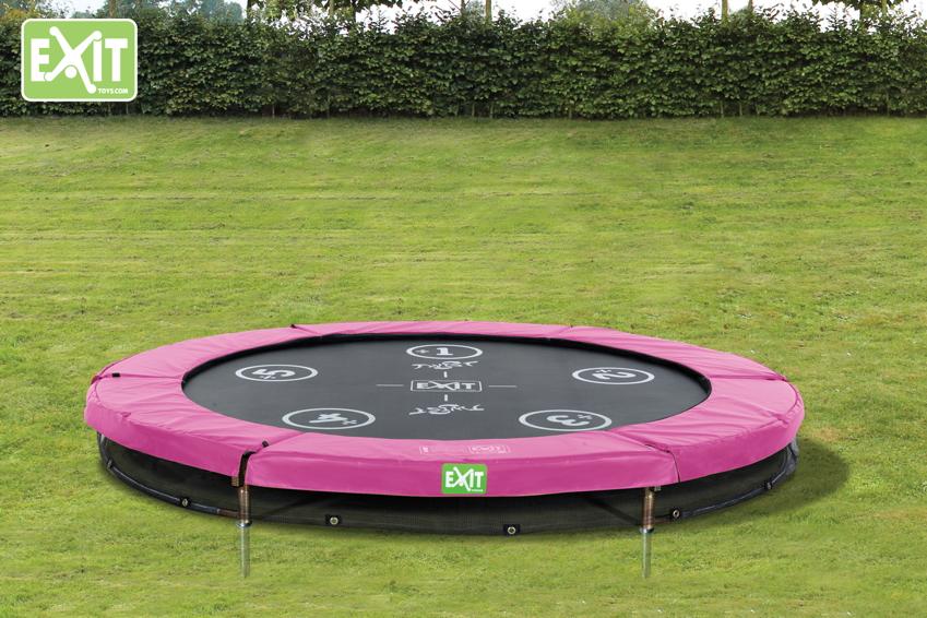 trampolin im garten f rdert kinderbewegung und sportlichkeit garten trampoline. Black Bedroom Furniture Sets. Home Design Ideas